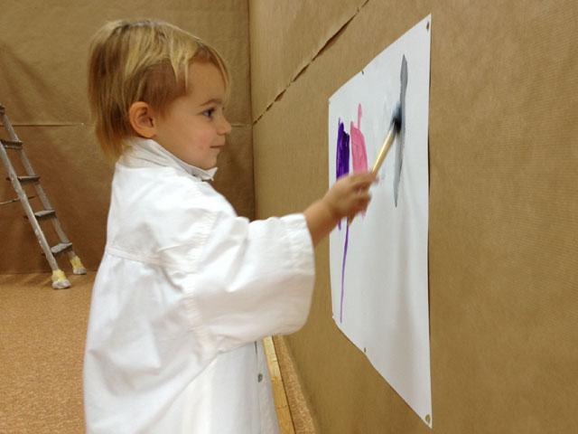03.10.12: Katharina malt das erste Bild